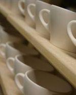 Tassenproduktion bei Ancap Porzellan