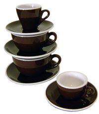 Italienische Cappuccinotassen für Latte Art.